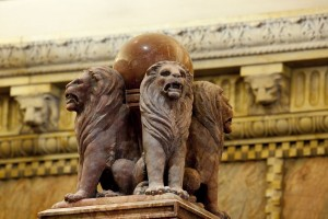 million-dollar-courthouse-Lions